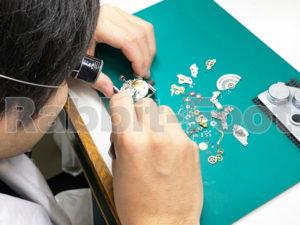 御徒町(東京上野)時計修理ラビットフット時計修理工房作業画像